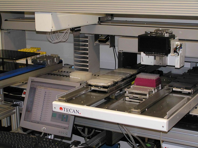 Hamilton Microlab robot