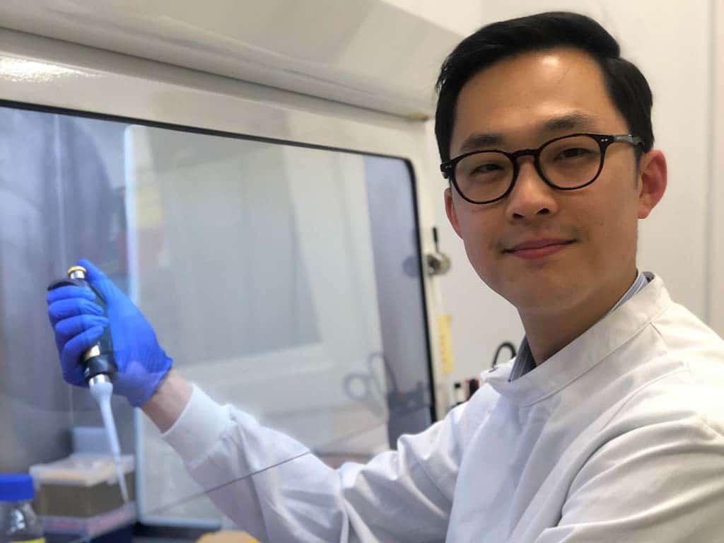 Dr Daniel Lin